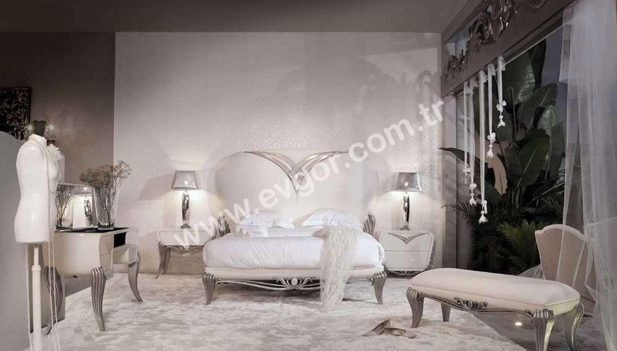 Kalpli Beyaz Başlıklı Yatak Odası Takımı