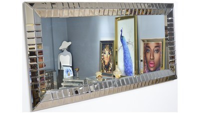 Uneyze Ayna